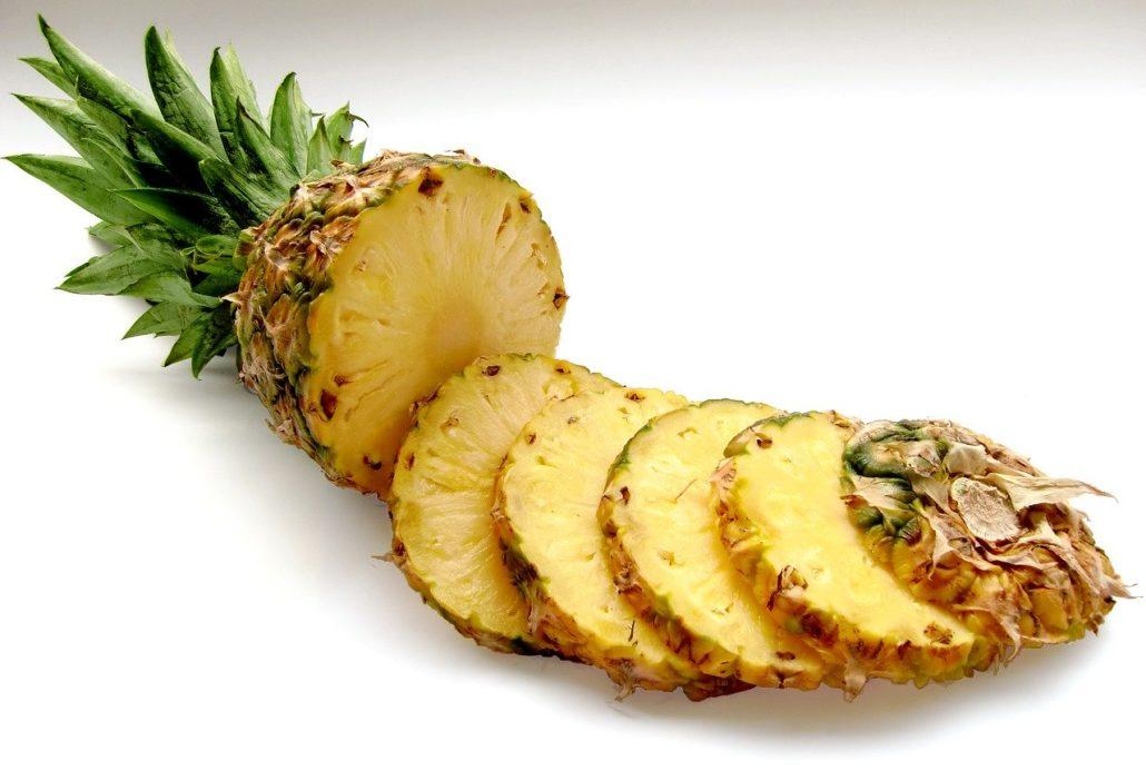 ananas piecze szczypie