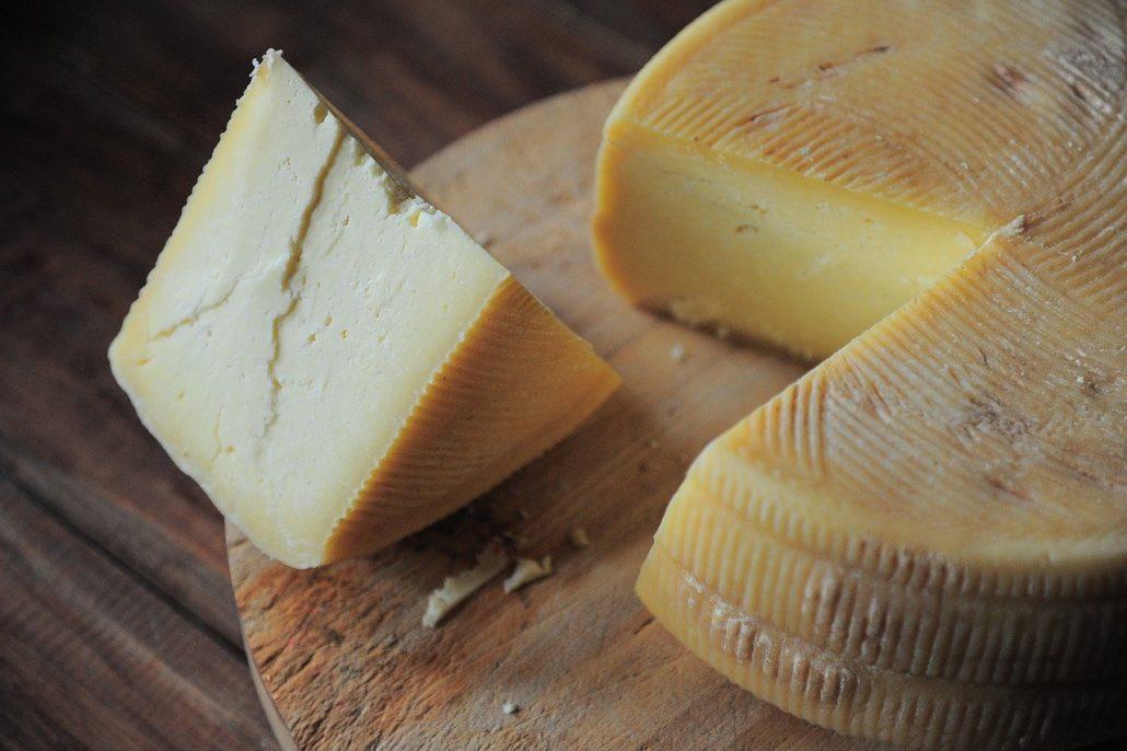 mrozić zamrażać ser żółty pleśniowy