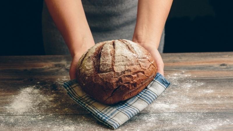 mrozić zamrażać chleb
